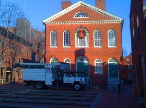 Olde Town Hall gets wreathed